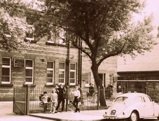 ancoats-nursery-school-on-palmerston-street-facing-west-1965